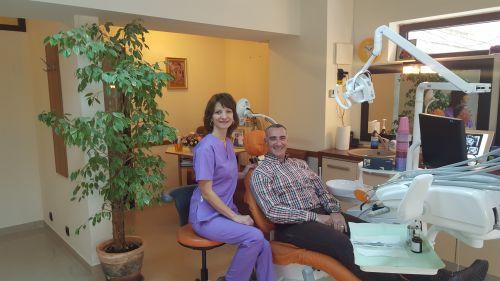 Cabinet stomatologie,implantologie si radiologie dentara .cabinet estetica faciala.Dr.Cucu(Andreescu poza 7