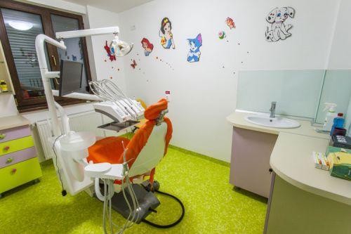Denti Dent Clinica Stomatologica poza 3