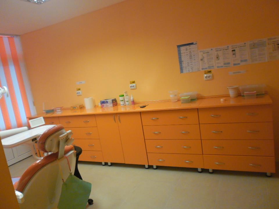 ROXY DENT Dr. Mares Roxana-Gabriela poza 10