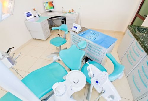 DENTESSE Clinici Dentare poza 6