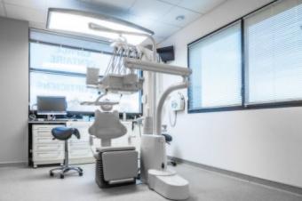 Lumina de zi pentru cabinete stomatologice