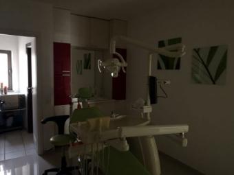 Imagine Vand 3 unituri stomatologice + alte echipamente si auxiliare specifice