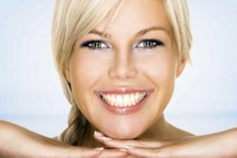 Indicatiile si contraindicatiile albirii dentare profesionale