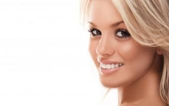 beneficii ale implantului dentar
